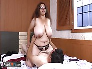 Old Nanny: This Bbw Is A Brunette Mature Pussy To Be Banged And