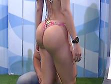 Gorgeous Latin Bubble Butt On Tv