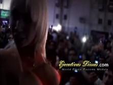 Deborah Pratt Scopata In Pubblico Durante Un Festival Erotico