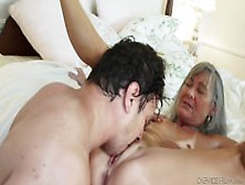 Milf Leanni Lei Shows Her Experience
