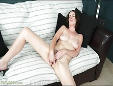 Solo Veronica Snow Fingers Hairy Pussy