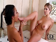 Anissa Kate & Eva Parcker Sucking Titties & Toes In The Tub