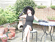 Curvy English Dame Eating Pussy In The Garden With A Beauty
