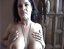 Kinky Lucknow Bhabhi Loves Swallowing Cum
