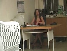 Very Hot Arab Girl Get Fucked By Her Boss In The Desk