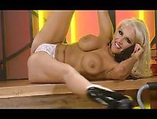 Bimbo Danni Harwood Chat On Tv 8