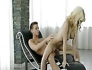 Erotik Und Leidenschaft Mit Einer Fast Perfekten Blondine