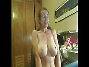 Fit Milf Has A Lot Of Fun On Webcam