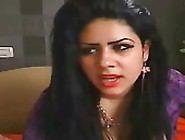 Indian Sex Videos Clip Of Chubby Housewife Exposed Her Asset On