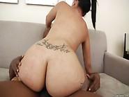 Latina Ass 2