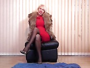 Mature Nl - Hot British Milf Playing With Her Pussy