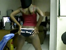Ko -Shaking Her Ass