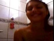 Morena Brasileira Novinha Tomando Banho E Batendo Siririca