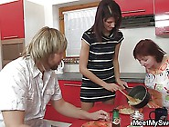 Dude Arguing When Finds His Gf Fucking With His Parents
