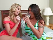 Candi Coxx Puts Her Tongue Deep In Brianna Ray