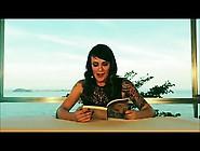 Gozando De Um Bom Livro - Bianca Jahara Ex Bbb