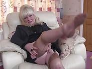Mature Nl - Chubby British Mature Lady Playing With Herself