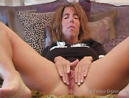The Female Orgasm: Isabella Films Herself