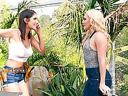 Aj Applegate Seduced By A Pussy Craving Lesbian Babe