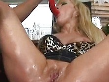 Mature Milf Has Anal Hole Fucked