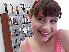 Petite Girl Luna Rival Is Curious About An Experienced Lover's C
