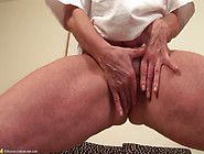 Ibolya Mature Toilet Piss