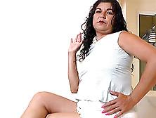 Older Chubby Bbw Mature Latina Playing And Masturbating Her Puss
