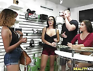 Brunette Chicana Zaya Cassidy Gets A Mouthful Of Tool In Blowjob
