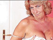Mature Lady Agneta B Loves Fingering Her Pulsating Vagina