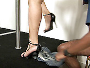 Wild High-Heeled Tranny With Blonde Hair And A Hot Body Enjoying