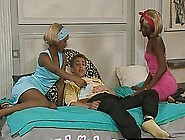 Couple Of Horny Black Bitches Suck White Dick And Get Their Choc