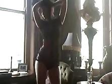 Erotic Dance Girl On 99Teencam Dot Com