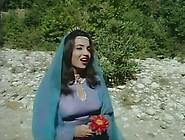 Samira Toufik In Bento Aantar Movie