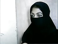 Hottie In A Hijab Shows Sneak Peeks Of Her Hot Pussy