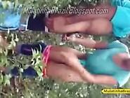 Cracudo Comendo A Noia Safada No Mato. Mp4