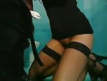 Jessica Fiorentino Inculata In Bagno Pubblico