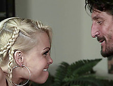 Jesse Jane Was Thinking To Get Pounded Hardcore On The Table