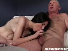 Cogiendo A Una Sexy Morenita Hermosa