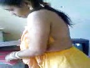 Desi Aunty Exposing Sexy Body To Devar At Home