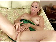Granny Annabelle Fingers Pussy Her Old Pussy