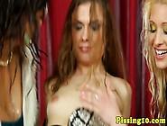 Bizarr Pinkeln Fetisch Weibchen Auf Pisse Orgie