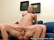 Hot Mom Emma Starr