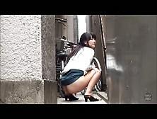 Japanese Girls Outdoor Poop