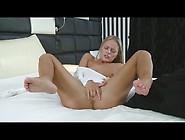 Sexy Model Vanda Lust Gets Off Using Her Fingers