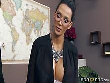 Buena Follada En La Oficina Con Amy Anderssen Y Nikki Benz