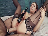 Kimberly Kane Gives A Diabolically Seductive Anal Fisting To Lil