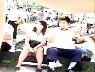 Novinha Sem Calcinha Na Frente Da Escola -- Www. Putinhasamadoras