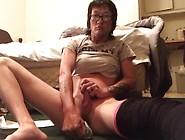 Sexy Chrissy Choi In Leg Casts Masturbates With Dildo