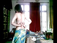 Karachi Girl Nude Showing All