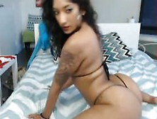 Latina Twerking Ass